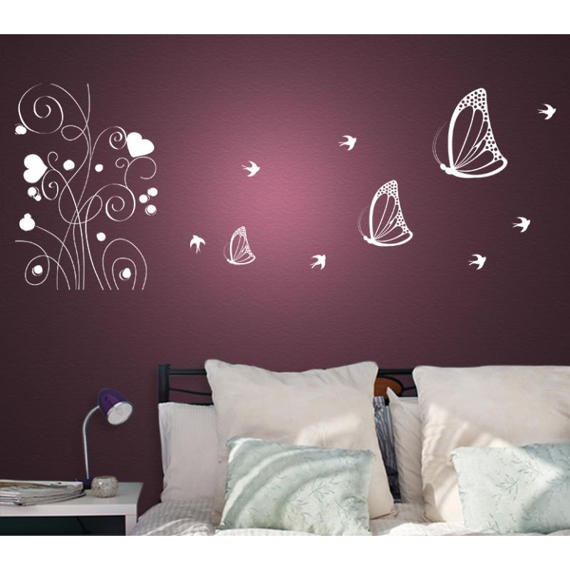 wandtattoo blumen mit herzen als bl te umgeben von schmetterlingen. Black Bedroom Furniture Sets. Home Design Ideas